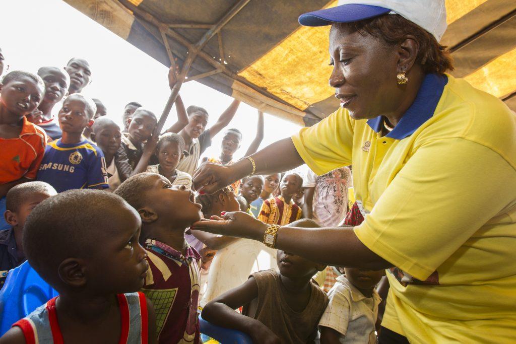 Polio Schluckimpfung in Afrika